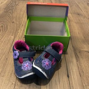 EUC Toddler Stride Rite Shoes - 4.5
